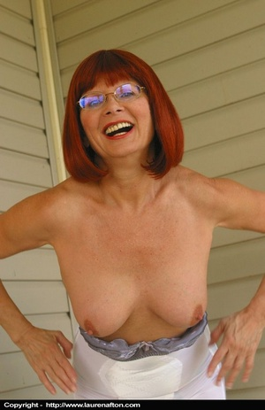 Redhead MILF cleaning her porch, stripping and peeing - XXXonXXX - Pic 9