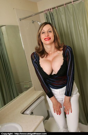 Tight white pants MILF wetting herself in the bathroom - XXXonXXX - Pic 5