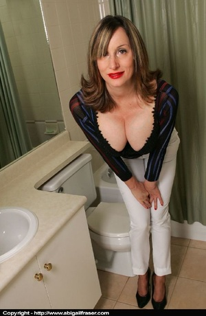 Tight white pants MILF wetting herself in the bathroom - XXXonXXX - Pic 7