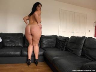 black haired lass ass