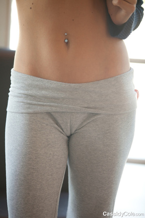 Tight grey pants blonde shows off her cameltoe and strips - XXXonXXX - Pic 6