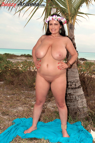 hawaii-style brunette bbw naked