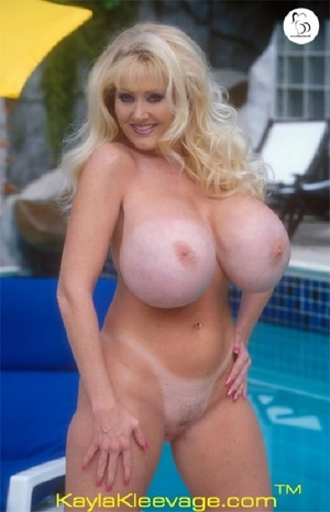 Horny American chick stuffs her twat with huge dildo by the pool. - XXXonXXX - Pic 11