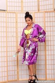 japanese style get-up brunette