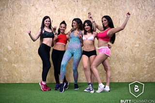 gorgeous girls shows workout