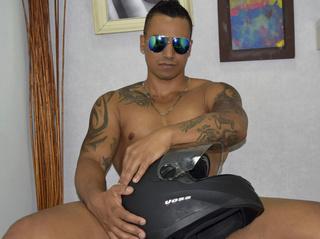 latin gay jamesaxel like