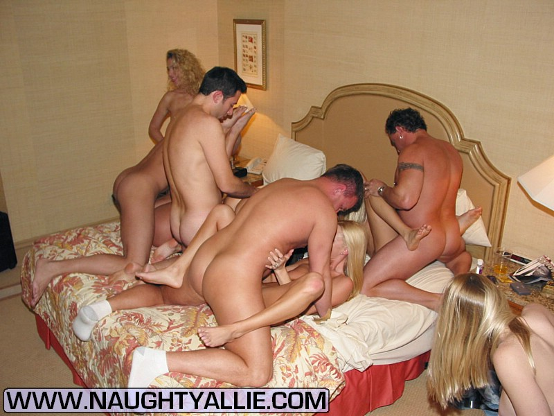 Group sex couple swinger