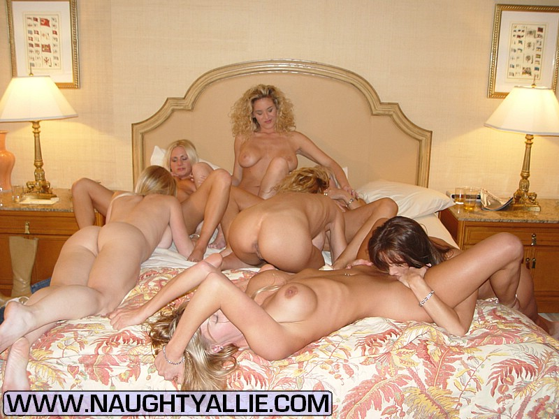 Massive licking pussy orgy