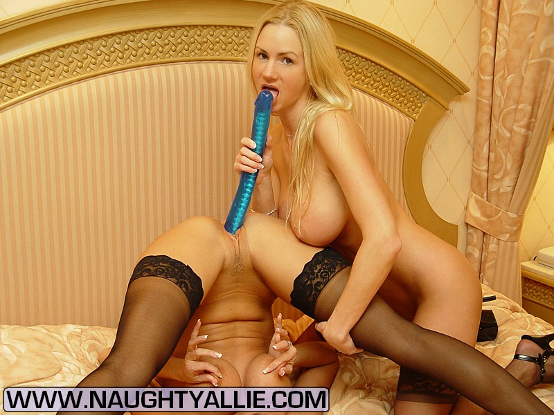 sex-toy-xxx-girl