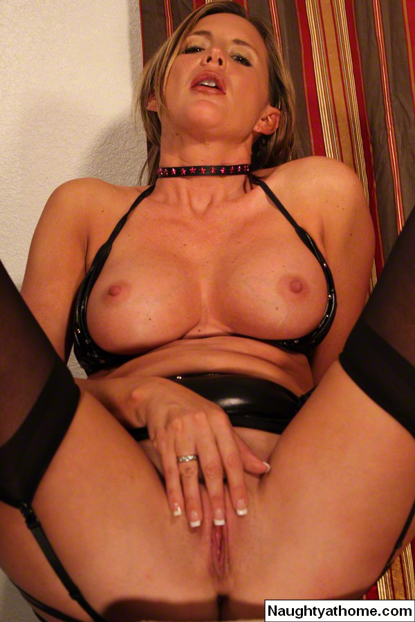 French Milf Solo Squirt