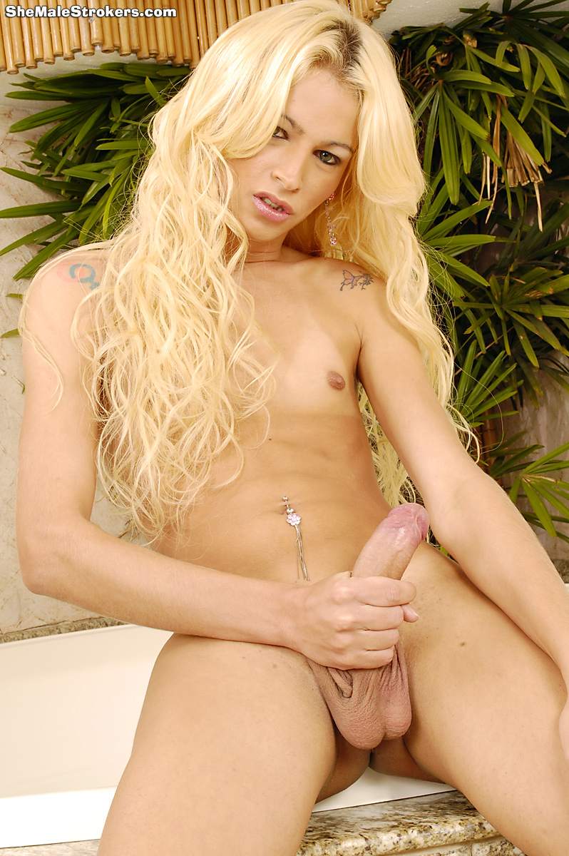 shemales Xxx beautiful blonde