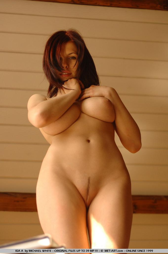art wyrwal Met nude iga