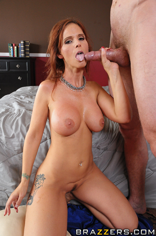 Syren is one hot milf!