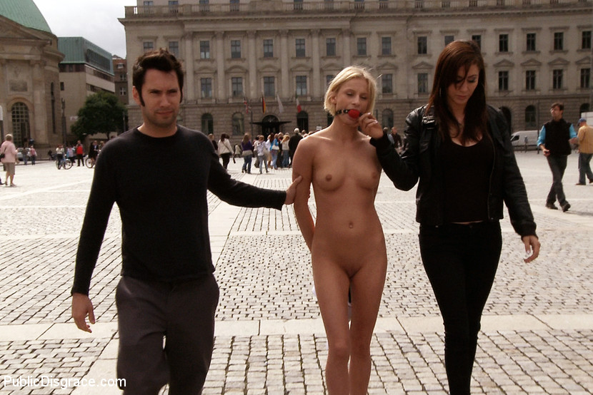 Paris of the naked in public magnificent