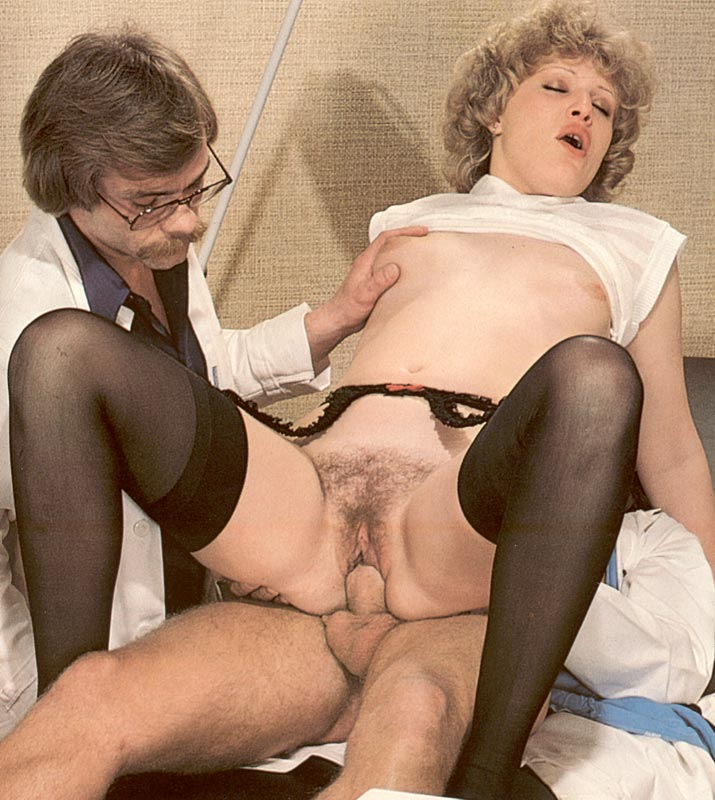 Docters Inspecting A Wet And Hairy Seventie - Xxx Dessert -5139