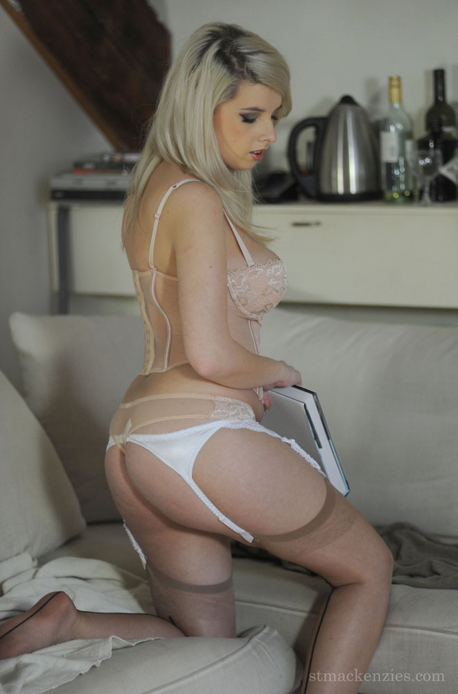 Stunning busty blonde Miss Holli taking off - XXX Dessert - Picture 1