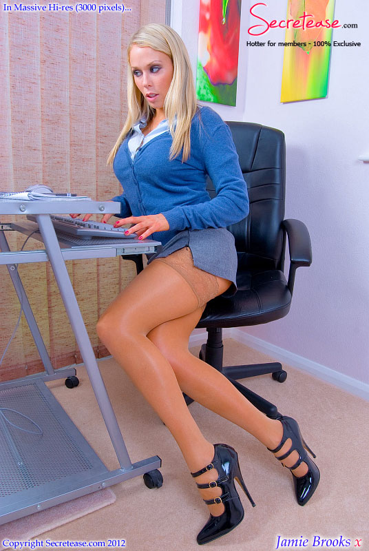 hot busty babes in the office - Awesome blonde office girl in sexy stocking - XXX Dessert - Picture 2