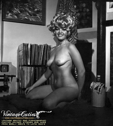 women nude and Black vintage white