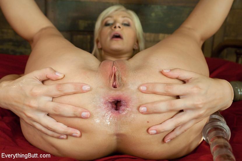 Annette deepthroat blowbang