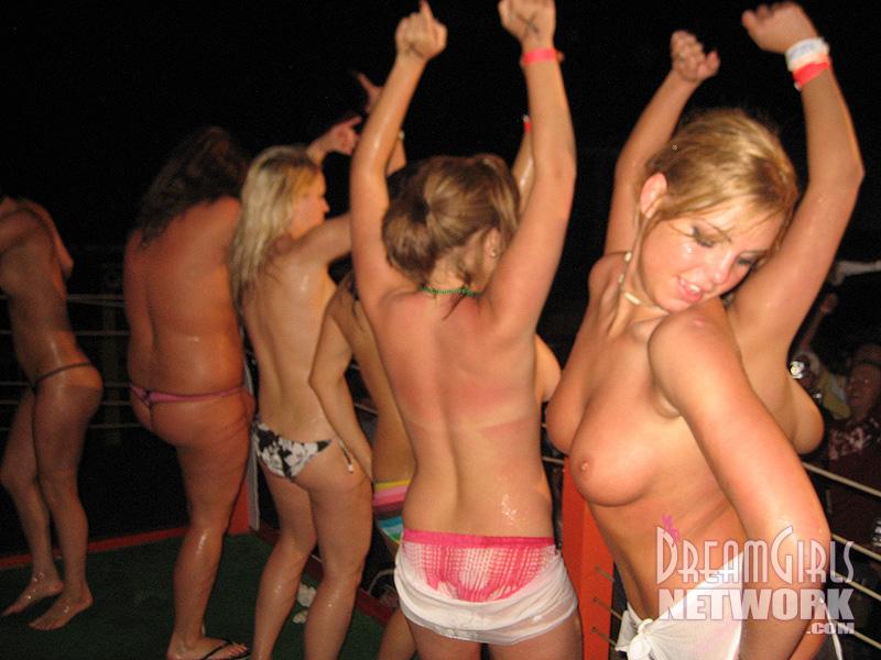 Nude Girls Dancing On The Scene Of The International Teen -3026