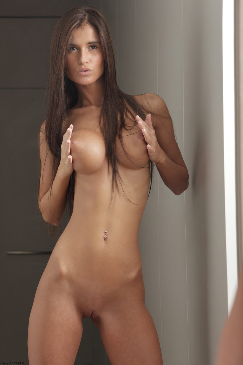 For the beautiful brunettes taking photos in mirrors nude share your