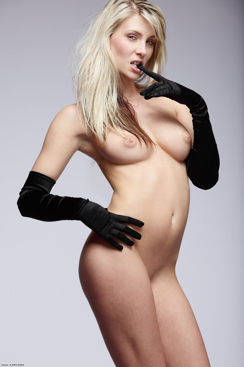 Nudes in gloves