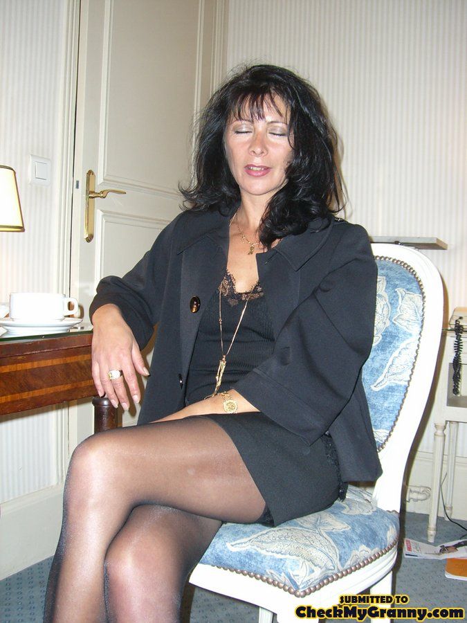 Dark haired mature women porno