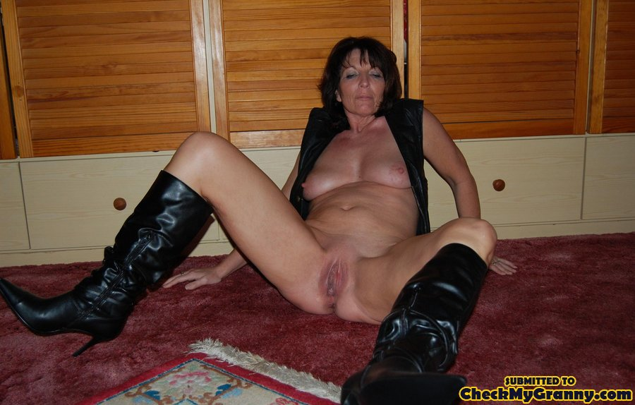 Mature Masturbation Solo Dildo