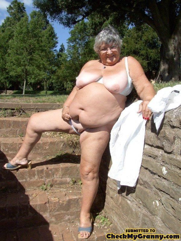 girl pissing her panties Fat