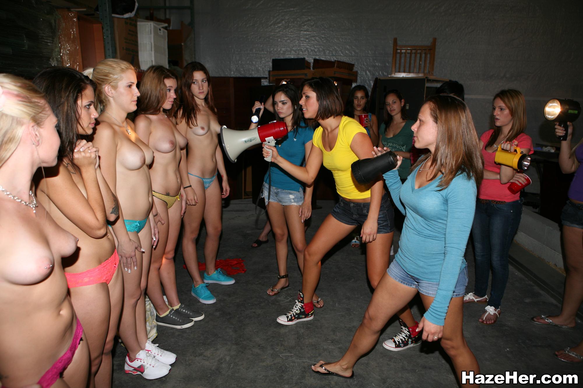 Videos de iniciación al sexo del club de chicas