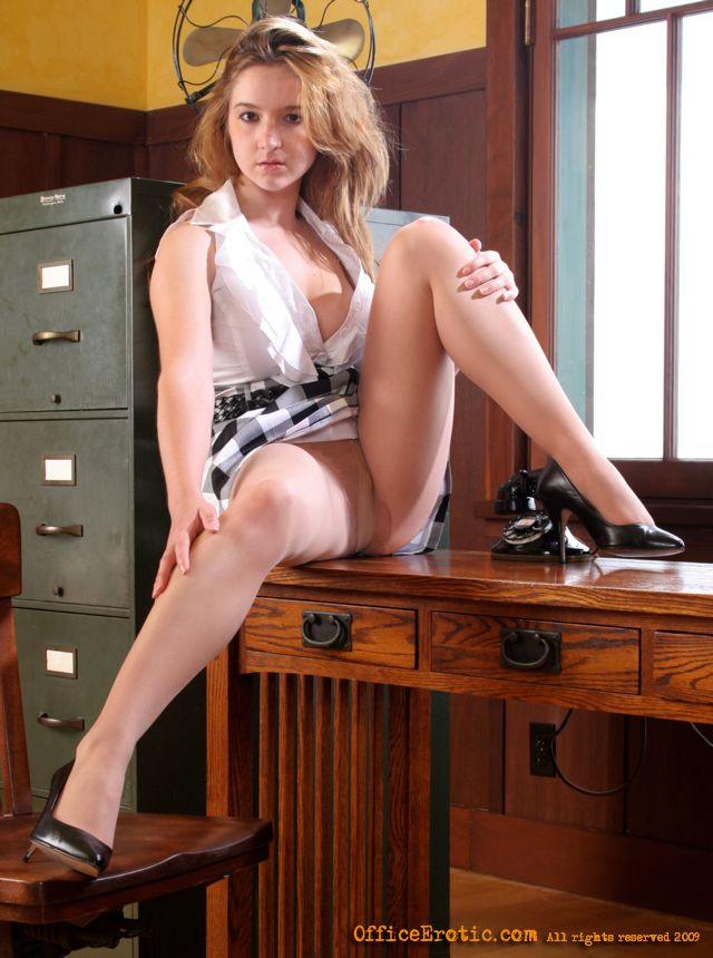 Busty Blonde In High Heels Gets Horny In He - Xxx Dessert -7345