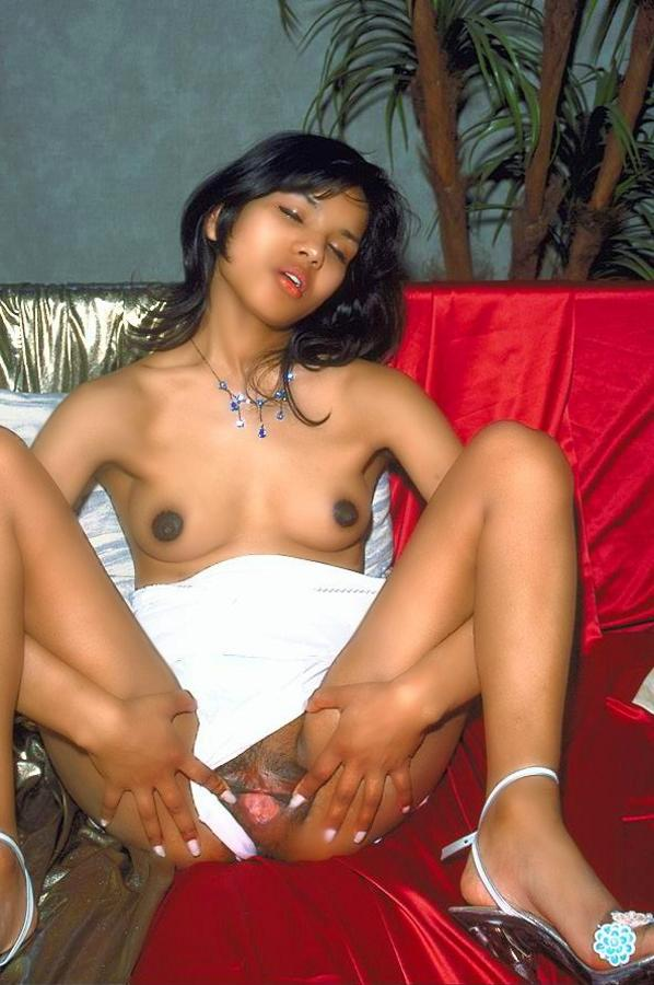 Spicy Indian Teen Shows The Pink Inside Her - Xxx Dessert - Picture 10