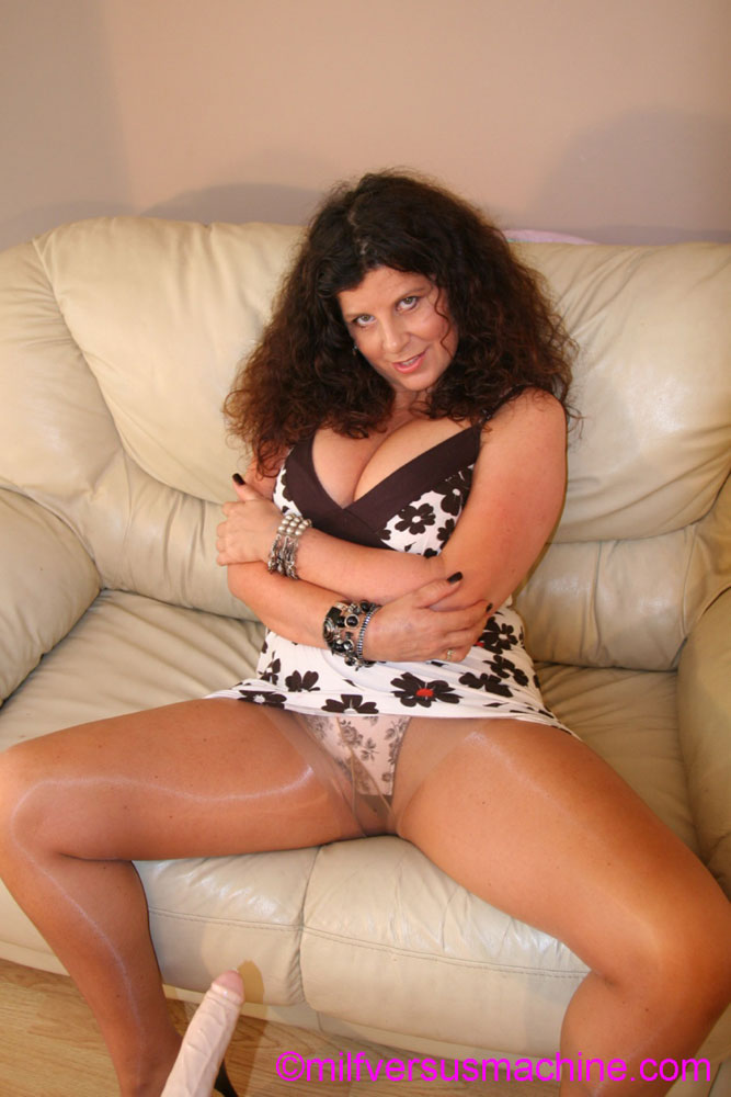 Curly brunette mom in pantyhose stretching  - XXX Dessert - Picture 1