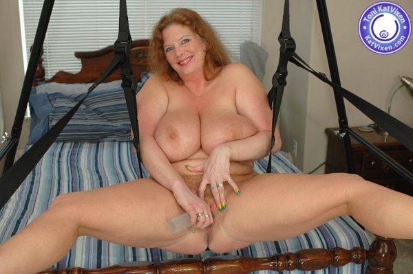 Fat girl in sex swing