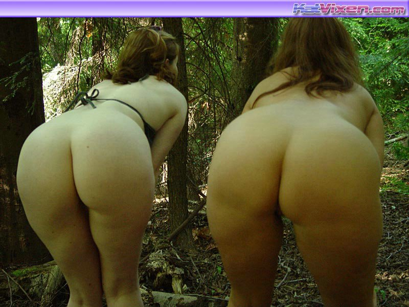 Toni KatVixen And Her Girlfriend Give A Pee - XXX Dessert - Picture 7