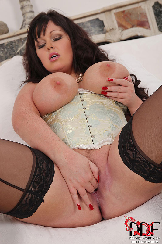 Lauren the vintage vibrator getting milky wet 7