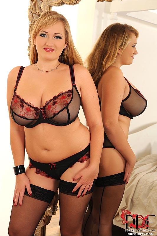 Gorgeous Blonde Mom I A Sexy Black Lingerie - Xxx Dessert -5582