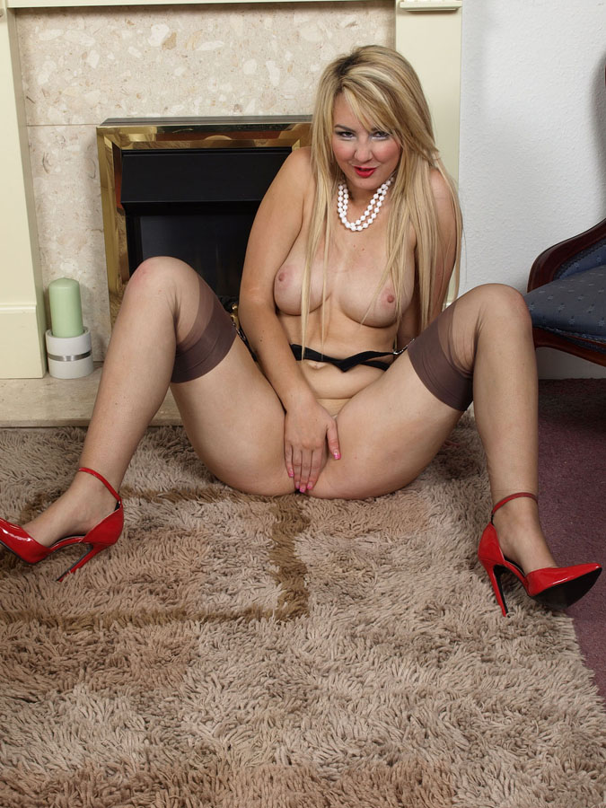 Bbw Blonde Milf Interracial