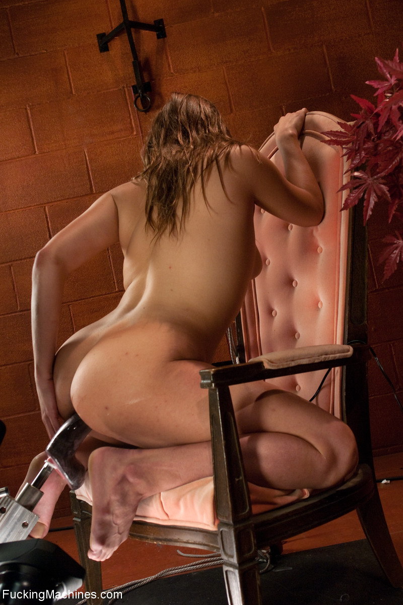 Lustful chick in a red collar pounded with  - XXX Dessert - Picture 5