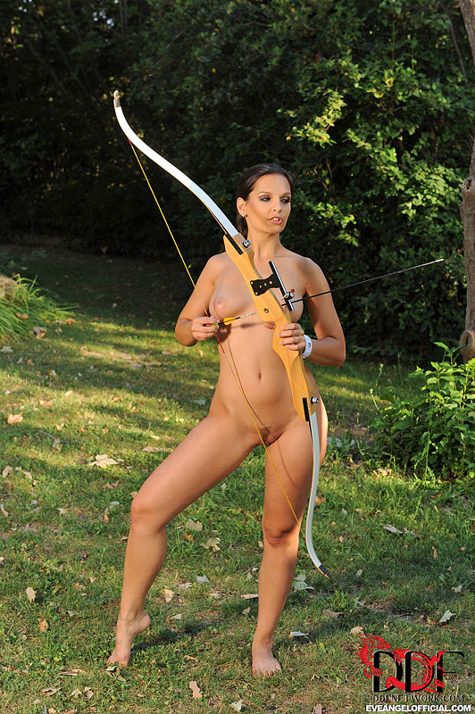 female-archer-nude-naked-lesbiean