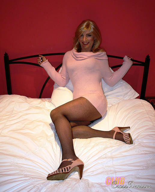 Smoky Hot Crossdresers Looking Real Girlish - Xxx Dessert - Picture 15