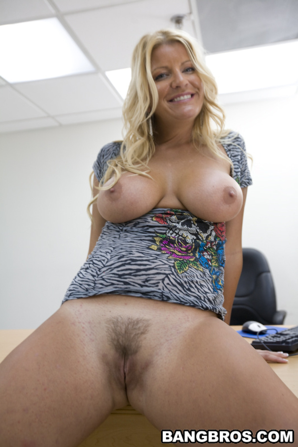 Milf robbye bentley live sex machine cam 9