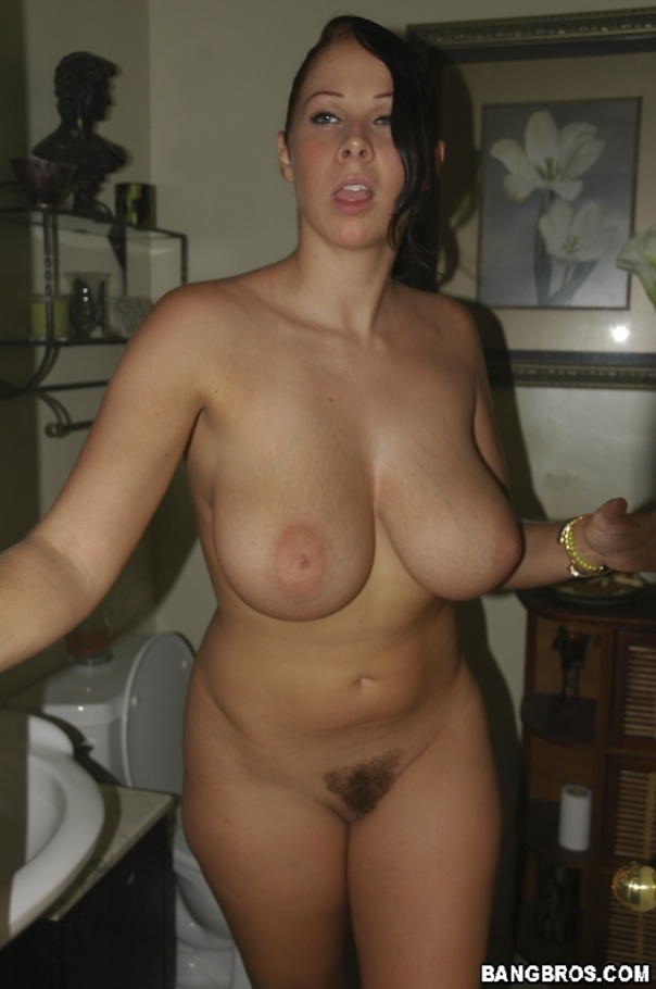 Kathryn marie fucks a hairy chick with a strapon - 2 part 1