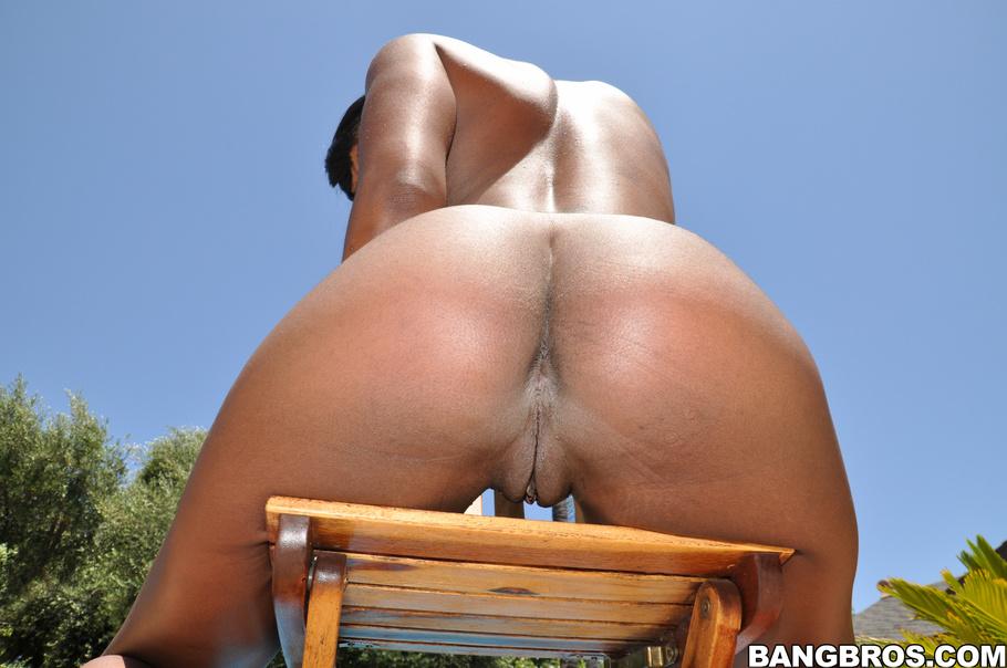 Ebony ass sucking