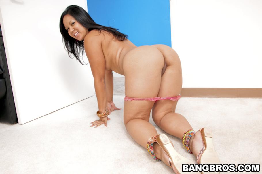 Bai ling nipple slip upskirt