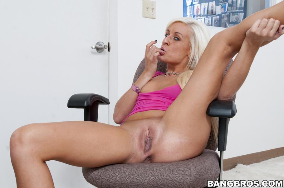 Natural tits pornstar ass to mouth and facial 8