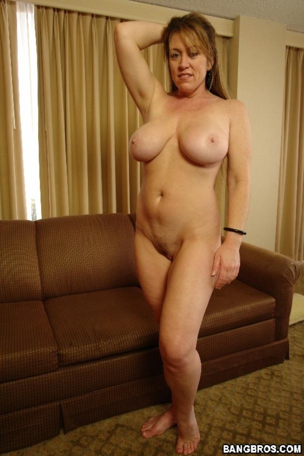 Big tits cums