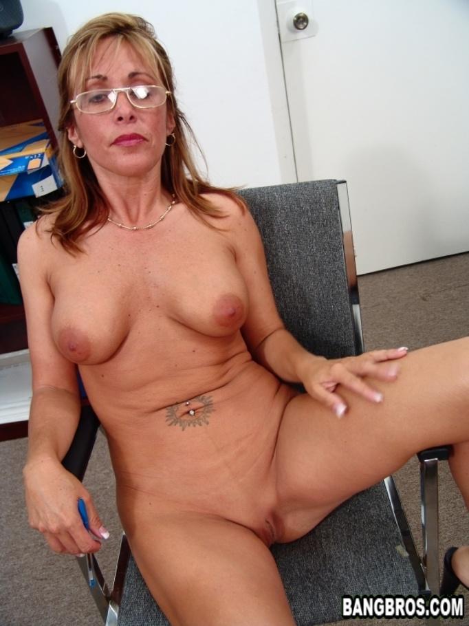 Amateur blowjob cum on tits xxx brunette