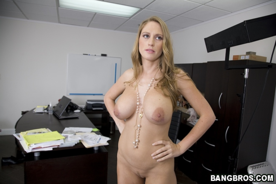 A blonde milf tagged by bbc039s 6