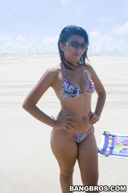 Bikini live show